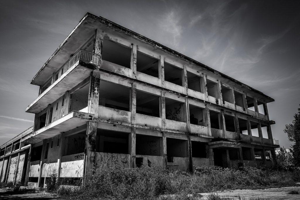 Το πρώην εργοστάσιο φυτοφαρμάκων της Θεσσαλονίκης έγινε στέκι γκραφιτάδων