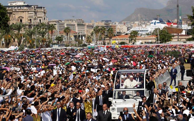 Ο Πάπας καλεί τους μαφιόζους να ασπαστούν πραγματικά τον χριστιανισμό!